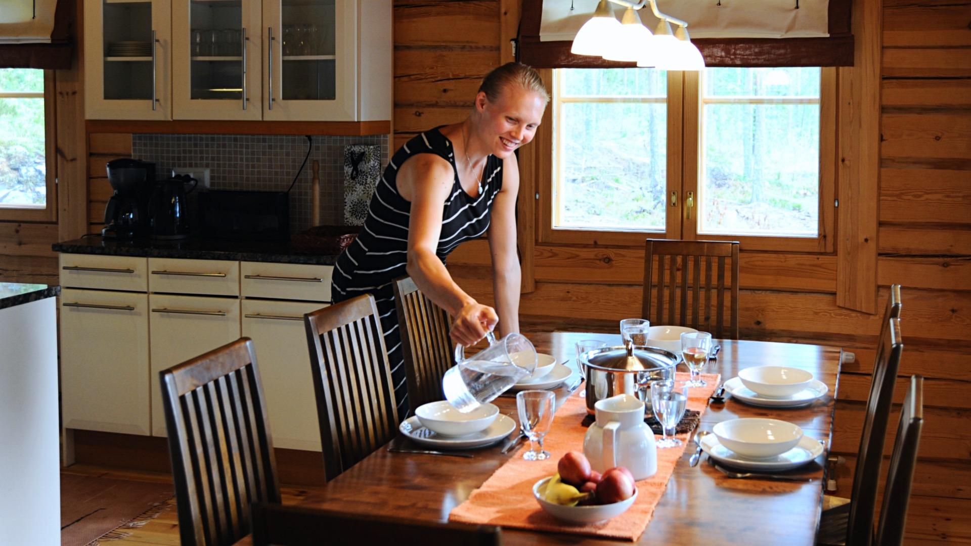 Коттедж Локкеро - прочный бревенчатый коттедж для аренды, находящийся на берегу крупнейшего в Финляндии озера Сайма