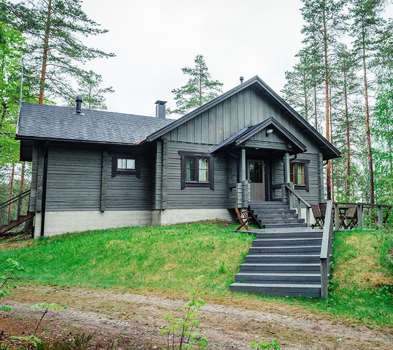 Loma-Väkkärän vuokramökki Nuottakallio sijaitsee Mikkelin Ristiinassa Saimaan rannalla